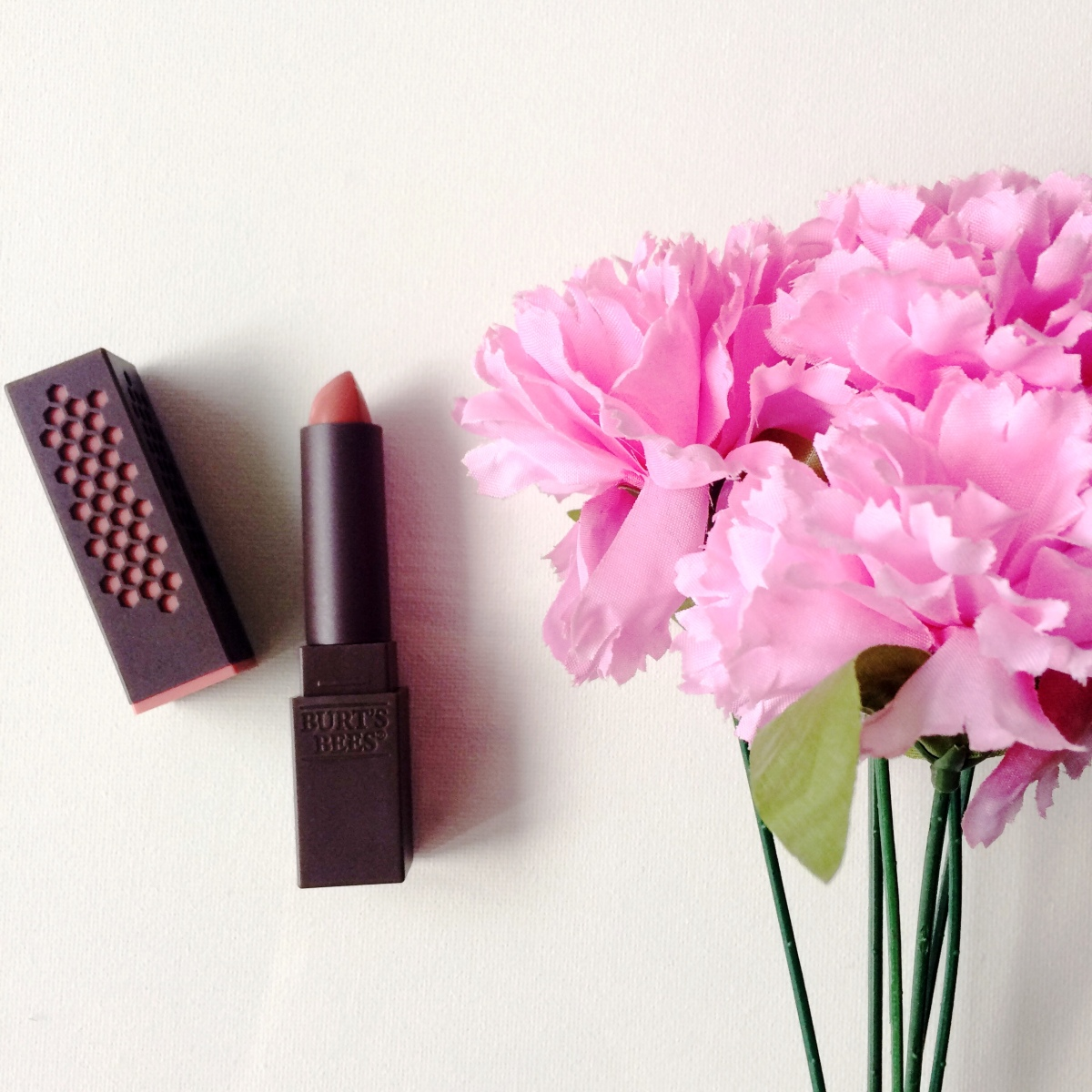 Flower cosmetics lipstick review best flower 2017 giveaway makeup review swatches drew barrymore flower beauty izmirmasajfo Image collections